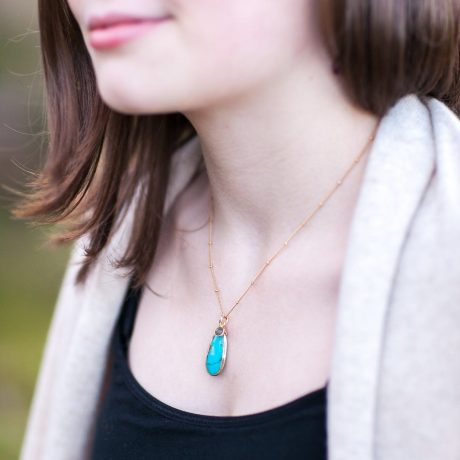 Simplicity Gems Turquoise and Gold Necklace